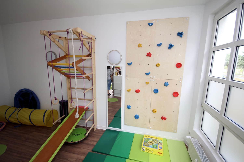 er ffnungsfeier des therapiezentrums f r kinder und. Black Bedroom Furniture Sets. Home Design Ideas