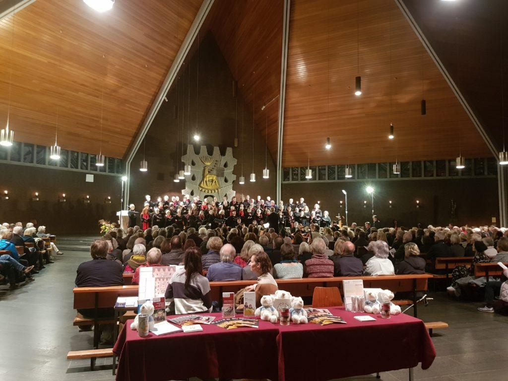 Wohltätiges Konzert für Aktion Hilfe Für Kinder des Osterchorsteinway Bremen